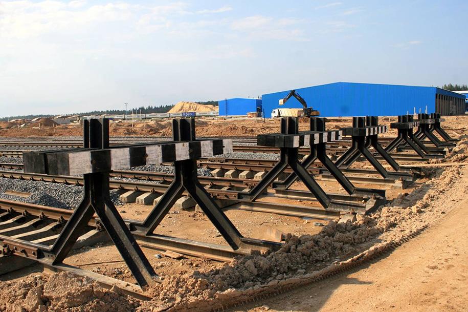 судьба помешала тупиковый упор железнодорожный фото памятниках крестах